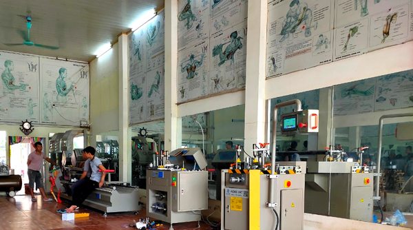 Lắp đặt máy làm cửa nhôm tại Bắc Ninh