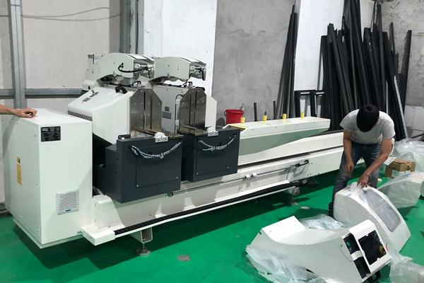 máy cắt nhôm 2 đầu Thổ Nhĩ Kỳ